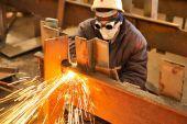 ΗΠΑ: Αυξημένη η βιομηχανική παραγωγή παρά τους τυφώνες Χάρβεϊ-Ίρμα
