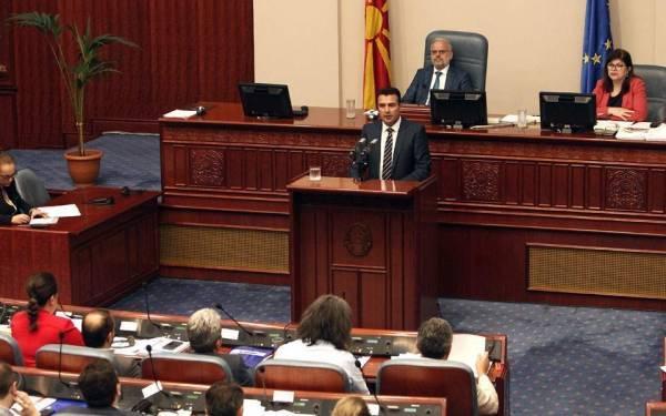Μήνυμα Ζάεφ σε αναποφάσιστους βουλευτές: Πείτε όχι στην απομόνωση