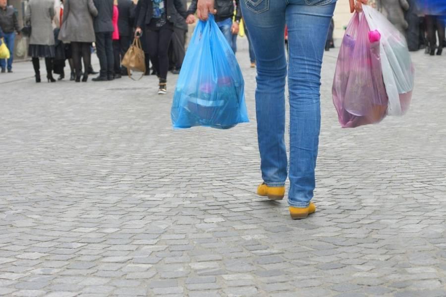 Θεαματική μείωση της χρήσης πλαστικής σακούλας-Αγγίζει το 75%!