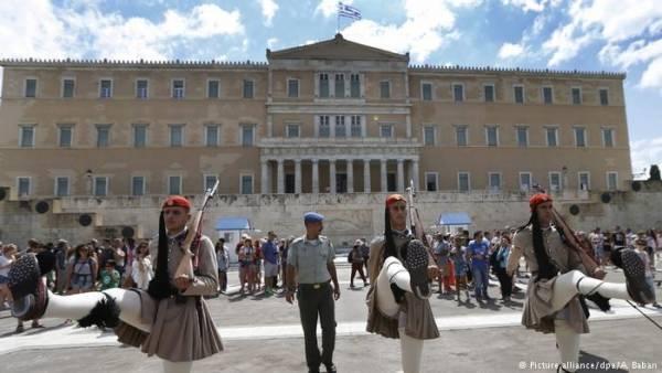DW: Στην Ελλάδα επιβίωσε το παλιό σύστημα