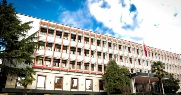 Αλβανικό ΥΠΕΞ: Θετική για την περιοχή η συμφωνία Ελλάδας- πΓΔΜ
