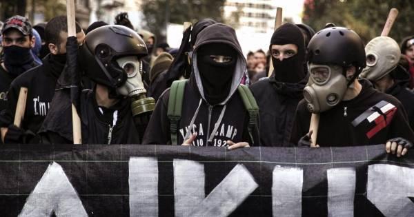 «Ντου» αντιεξουσιαστών στο αμερικάνικο προξενείο στη Θεσσαλονίκη
