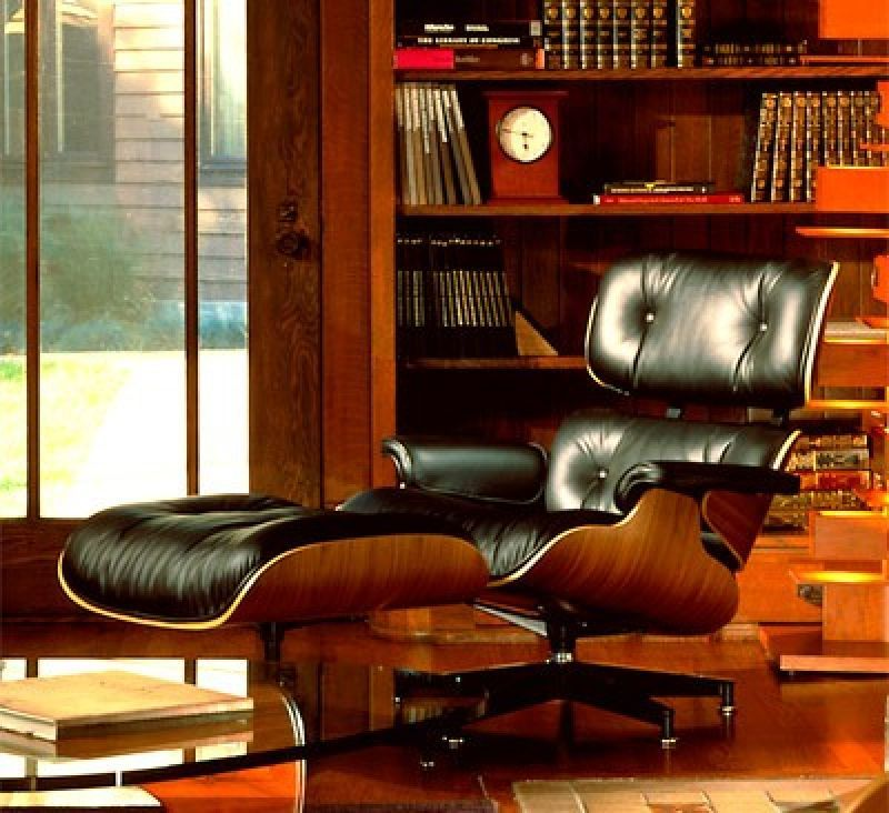 Τhe Eames Lounge Chair
