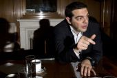 Τσίπρας: Στηρίζει Βαρουφάκη, θερμά λόγια για τη Μέρκελ