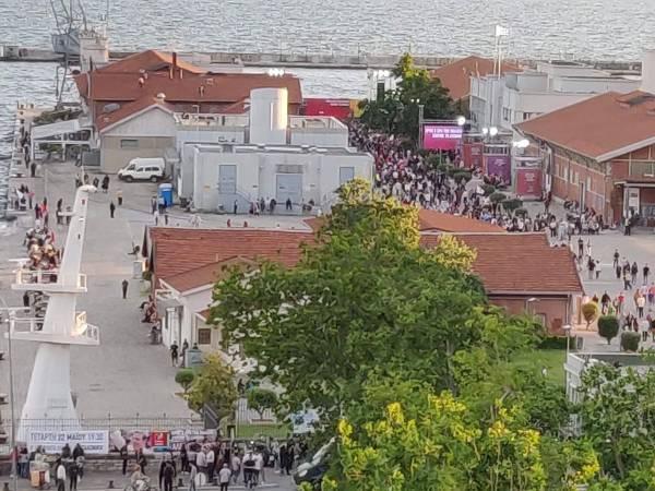 Τρεις κι κούκος και στην Θεσσαλονίκη…