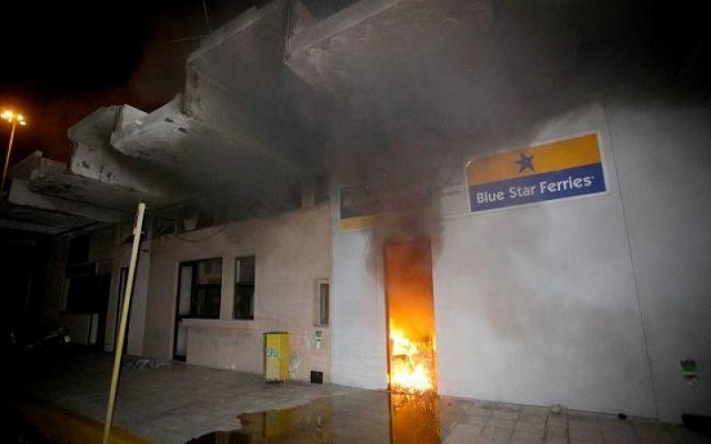 Απεργία ΠΝΟ: «Πόλεμος» στο Ηράκλειο- Τραυματίστηκε ο λιμενάρχης