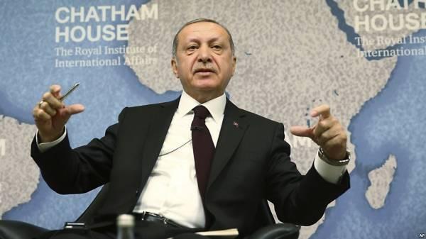 SOS Ερντογάν: Κάντε τα ευρώ και τα δολάρια τουρκικές λίρες!