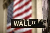 Εικόνες…far west και πρωτοφανές «πιστολίδι» στη Wall Street