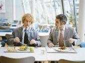 Οι καλές business κλείνονται στα γεύματα!