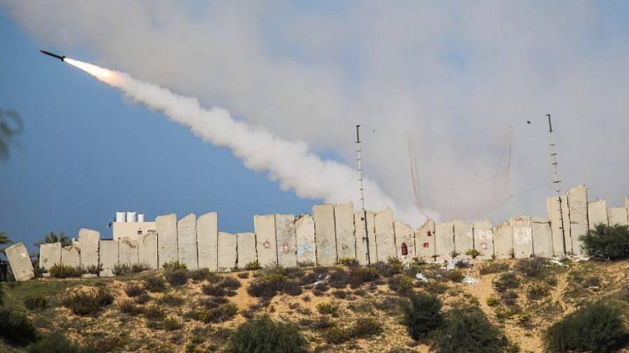 Το Ισραήλ συγκεντρώνει στρατεύματα κατά μήκος της Γάζας