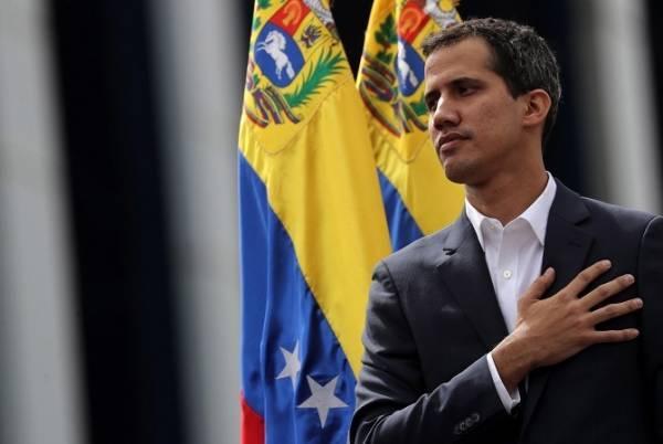 Στα σύνορα με την Κολομβία μεταβαίνει ο Γκουαϊδό
