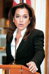 Ντ. Μπακογιάννη: Το 2014 έχει αρχίσει να θυμίζει επικίνδυνα το 2012