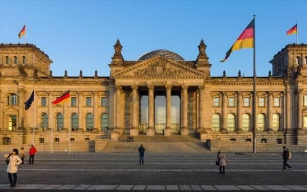 Βερολίνο: Να στηρίξουν τη συμφωνία όλες οι πολιτικές δυνάμεις