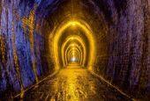 WSJ: Υπάρχει τελικά φως στο τούνελ για την Ελλάδα
