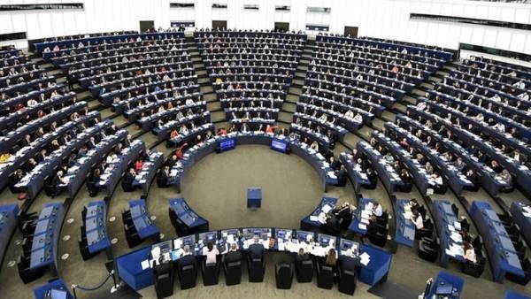 Κανέναν δεν δεσμεύει η Συμφωνία του Μαρακές για την Μετανάστευση!