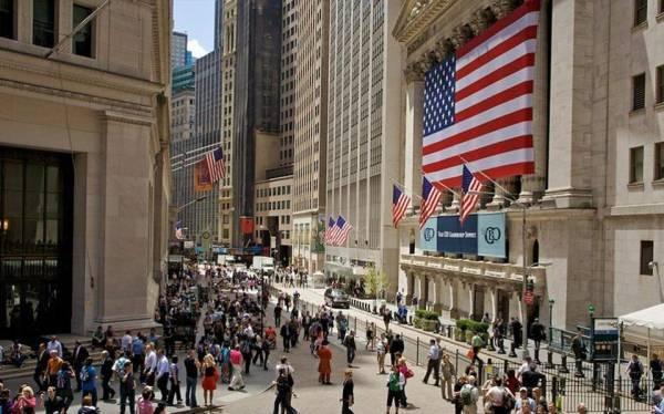 Πτώση στη Wall Street - Άνοδος σε πετρέλαιο και χρυσό