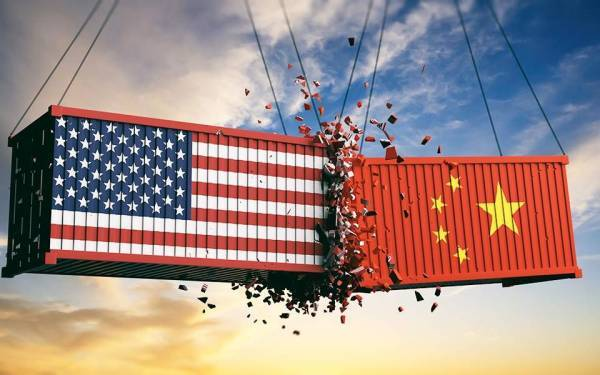 Η διένεξη ΗΠΑ - Κίνας απειλεί το Παγκόσμιο Εμπόριο