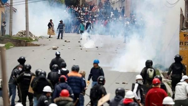 Αιματηρές συγκρούσεις στη Βολιβία