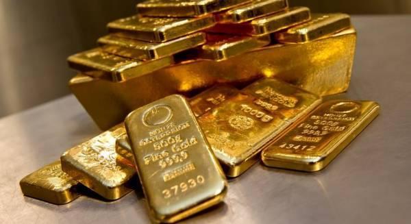 Εβδομαδιαία πτώση 0,9% για τον χρυσό