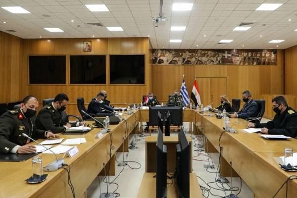 Ελλάδα και Αίγυπτος υπέγραψαν διμερή στρατιωτική συνεργασία για το 2021