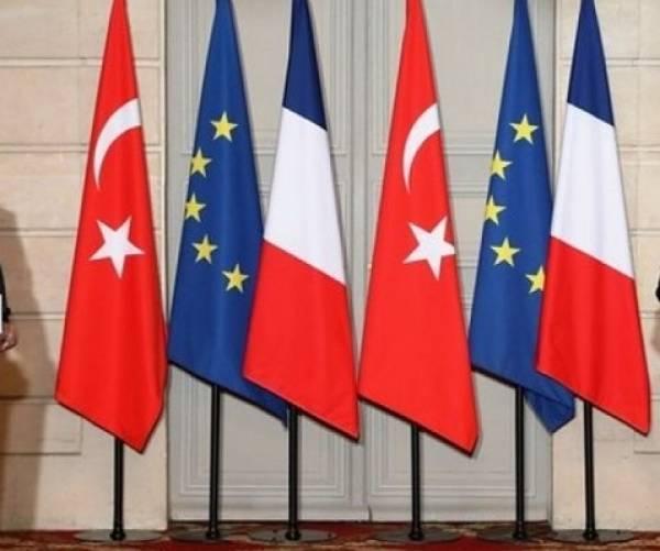 Τηλεφωνική επικοινωνία ΥΠΟΙΚ Τουρκίας-Γαλλίας για τις αμερικανικές κυρώσεις
