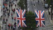 Η Βρετανία διαψεύδει τα περί παραμονής στην τελωνειακή Ένωση