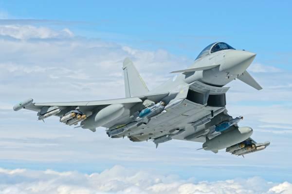 Παναγιωτόπουλος: Δεν απέκλεισε την απόκτηση μαχητικών Eurofighter Typhoon
