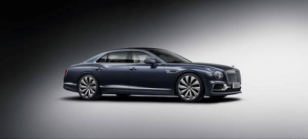 Η νέα Bentley Flying Spur δεν χαλάει κάνενα χατίρι