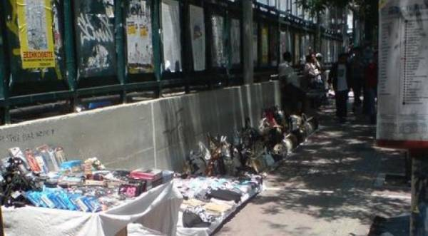 Έξι συλλήψεις και κατασχέσεις προϊόντων στην επιχείρηση στην ΑΣΟΕΕ