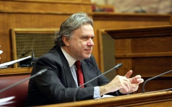 Κατρούγκαλος:Δεν υπάρχουν σκιές στη νομιμότητα των συμβάσεων για χορήγηση βίζας
