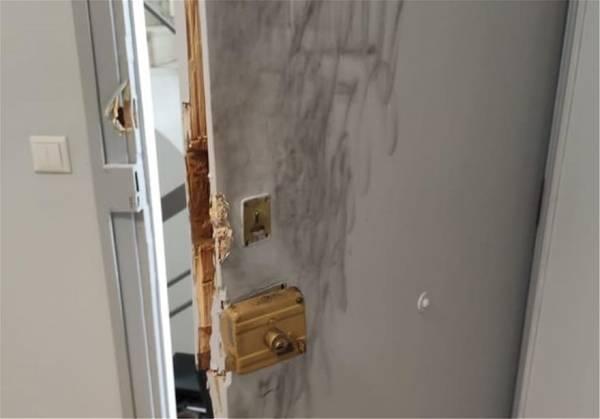 Διέρρηξαν το γραφείο του Τσακαλώτου στον έβδομο όροφο