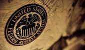 Bloοmberg: Οι traders των ομολόγων αναμένουν αύξηση επιτοκίων από Fed