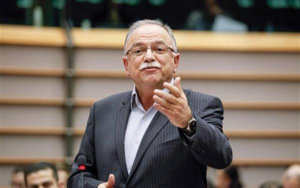 Έμμεση «ομολογία» Παπαδημούλη: Δεν υπάρχει ευρωπαϊκό σύστημα εγγύησης καταθέσεων