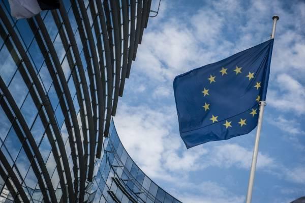 Απόσταση ασφαλείας κρατά η Κομισιόν στη διαμάχη Ελλάδας-Ρωσίας