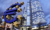 FT: Η Ευρώπη βιάζεται να δανειστεί πριν τις αυξήσεις επιτοκίων