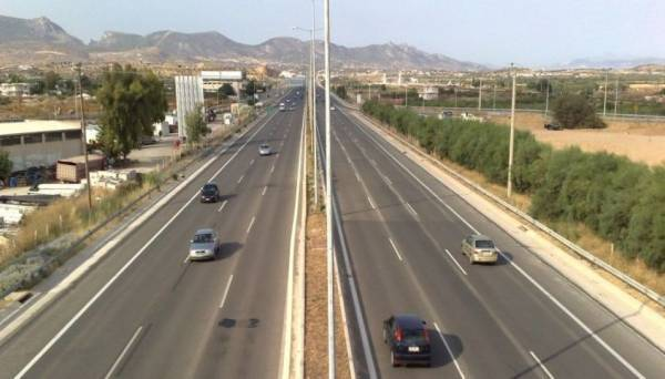 Κυκλοφοριακές ρυθμίσεις έως τις 16.00 στην ΠΑΘΕ λόγω εργασιών