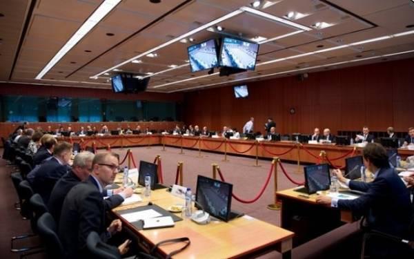Συμφωνία στο Eurogroup: Εποπτεία και 10ετής επιμήκυνση στο χρέος