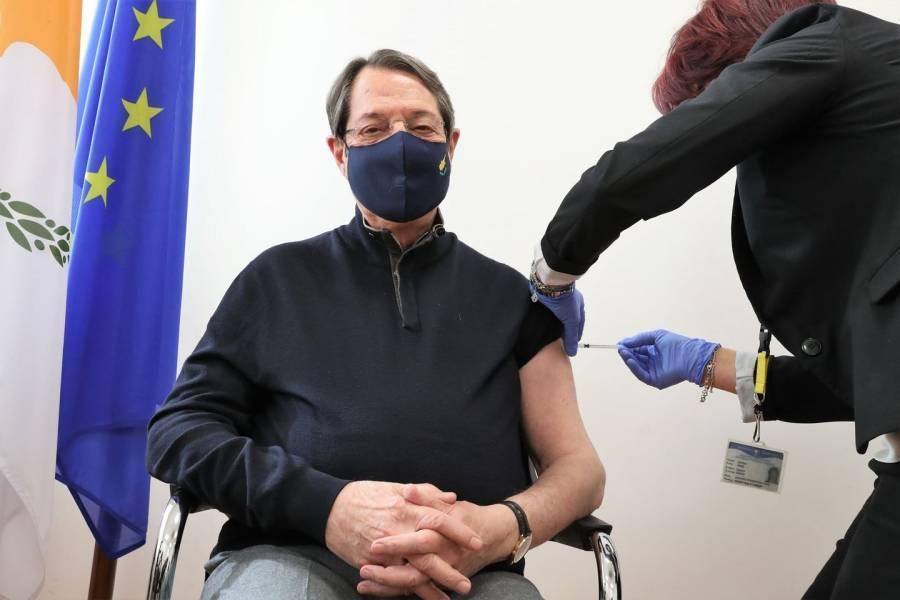 Ο Νίκος Αναστασιάδης εμβολιάστηκε.  Τι θα συμβεί στους Τουρκοκύπριους;