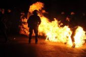 Νύχτα επεισοδίων στα Εξάρχεια: 3 συλλήψεις και 19 προσαγωγές