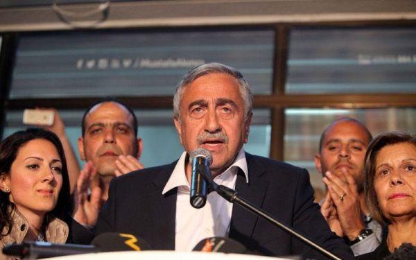 Διαψεύδονται τα περί παραίτησης του Ακιντζί