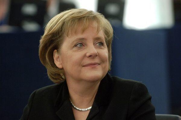 """""""Ανυπομονώ να διαφωνήσω με τον Τσίπρα"""", αστειεύεται η Μέρκελ στη Bundestag"""