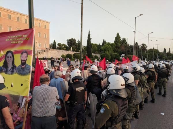 Σύνταγμα: Ένταση σε διαδήλωση υπέρ των απεργών πείνας στην Τουρκία