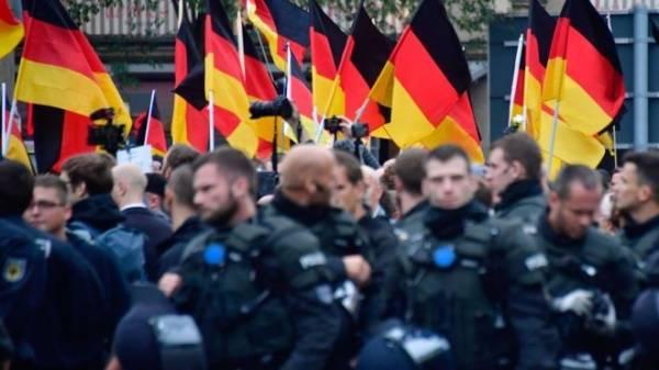 Γερμανία: 12 συλλήψεις υπόπτων για διασυνδέσεις με την ακροδεξιά