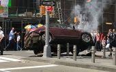 Times Square: Πώς το αυτοκίνητο έπεσε στο πλήθος (σοκαριστικά βίντεο)