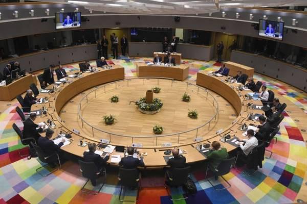 Eurogroup: Στις καθυστερήσεις το ελληνικό χρέος- «Παζάρι» για την επιμήκυνση