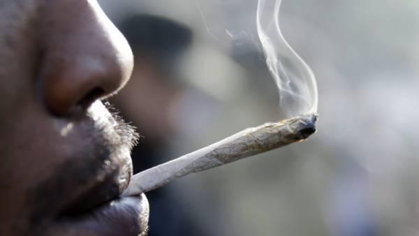 Μήπως εκτός από το τσιγάρο να κόψουμε και τα ναρκωτικά;
