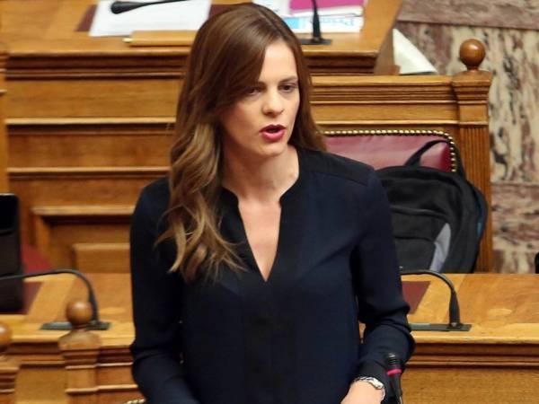 Αχτσιόγλου:Να μην μετατραπεί η Ελλάδα σε παράδεισο off-shore και αυθαιρεσίας